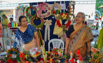 A reunion marked by the Christmas sale Exhibition at St. Teresa College